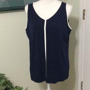 EUC ❤️ Chico's Navy sleeveless blouse